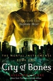 """City of bones"" av Cassandra Clare"