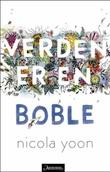 """""""Verden er en boble"""" av Nicola Yoon"""