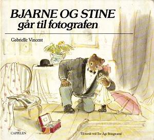 """""""Bjarne og Stine går til fotografen"""" av Gabrielle Vincent"""