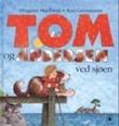 """""""Tom og Andersen ved sjøen"""" av Margaret Skjelbred"""