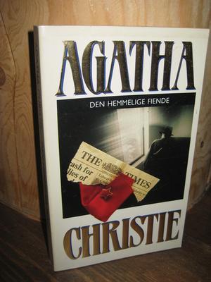 """""""Den hemmelige fiende"""" av Agatha Christie"""