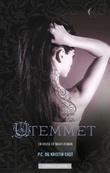 """""""Utemmet - en house of night-roman"""" av P.C. Cast"""