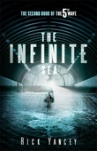 """""""The Infinite Sea - The Second Book of the 5th Wave"""" av Rick Yancey"""