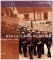 """""""Den lille byen og krigen - Vadsø 1940-1945"""" av Harald Riesto"""
