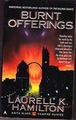 """Burnt Offerings (Anita Blake, Vampire Hunter, Book 7)"" av Laurell K. Hamilton"