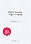 """The life-changing magic of tidying - the japanese art"" av Marie Kondo"