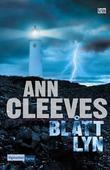"""Blått lyn"" av Ann Cleeves"