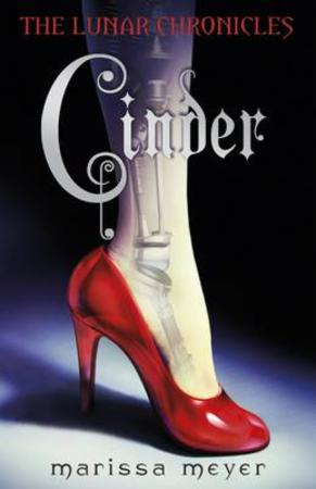 """""""Cinder"""" av Marissa Meyer"""