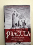 """In Search of Dracula - History of Dracula and Vampires"" av Raymond T. McNally"