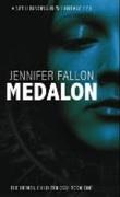 """""""Medalon - the demon child trilogy"""" av Jennifer Fallon"""